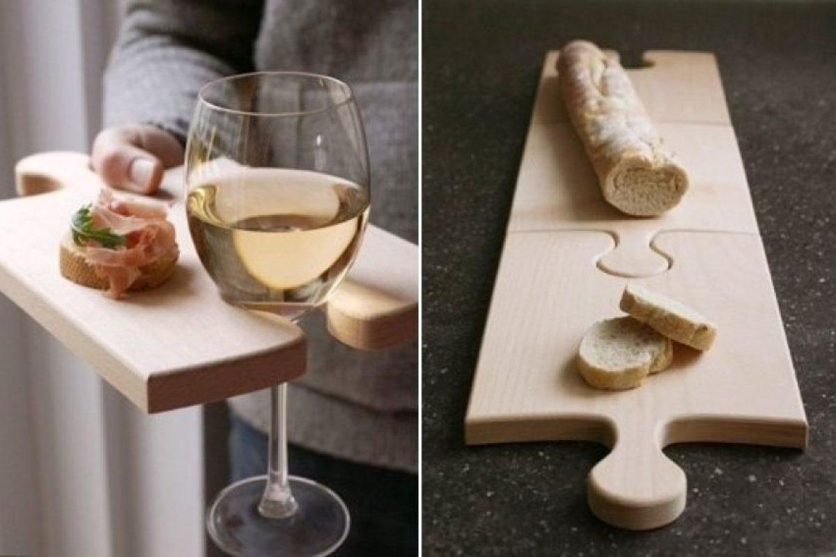 Una tabla para poner la copa de vino y al mismo tiempo sirva para el picadillo.. Imagen Por: