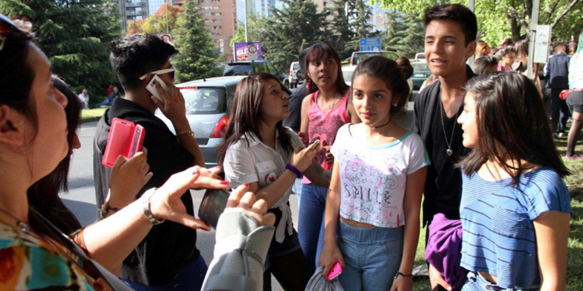 Leo Méndez Jr. desata locura entre fans de Justin Bieber al pasar por hotel
