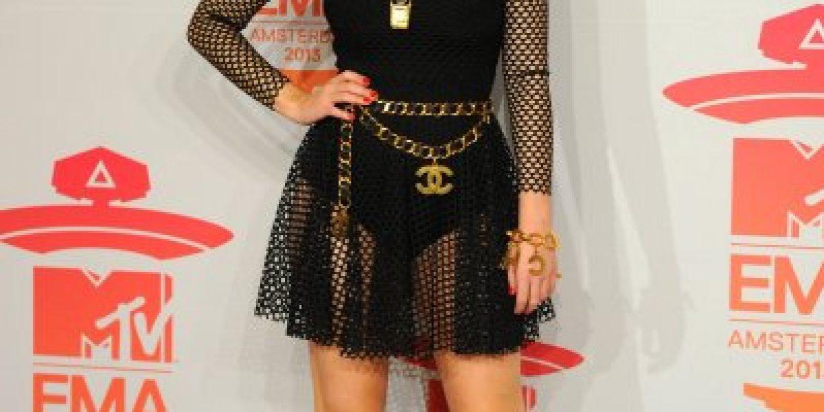 Katy Perry se consagra en los MTV EMA y realiza llamativa performance