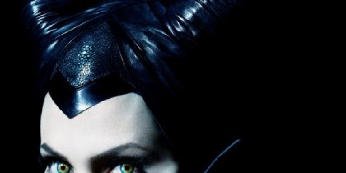 Angelina Jolie se luce como Maléfica en el póster oficial de la nueva película de Disney