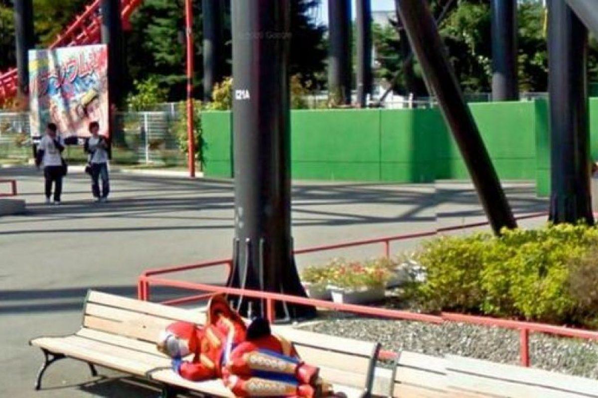 Los superhéroes también descansan Foto:@VistoEnMaps. Imagen Por: