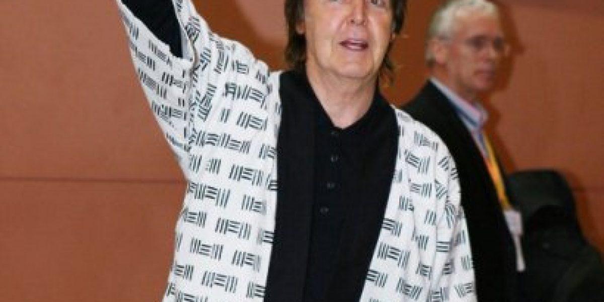 Paul McCartney disfruta del Sumo durante su gira por Japón