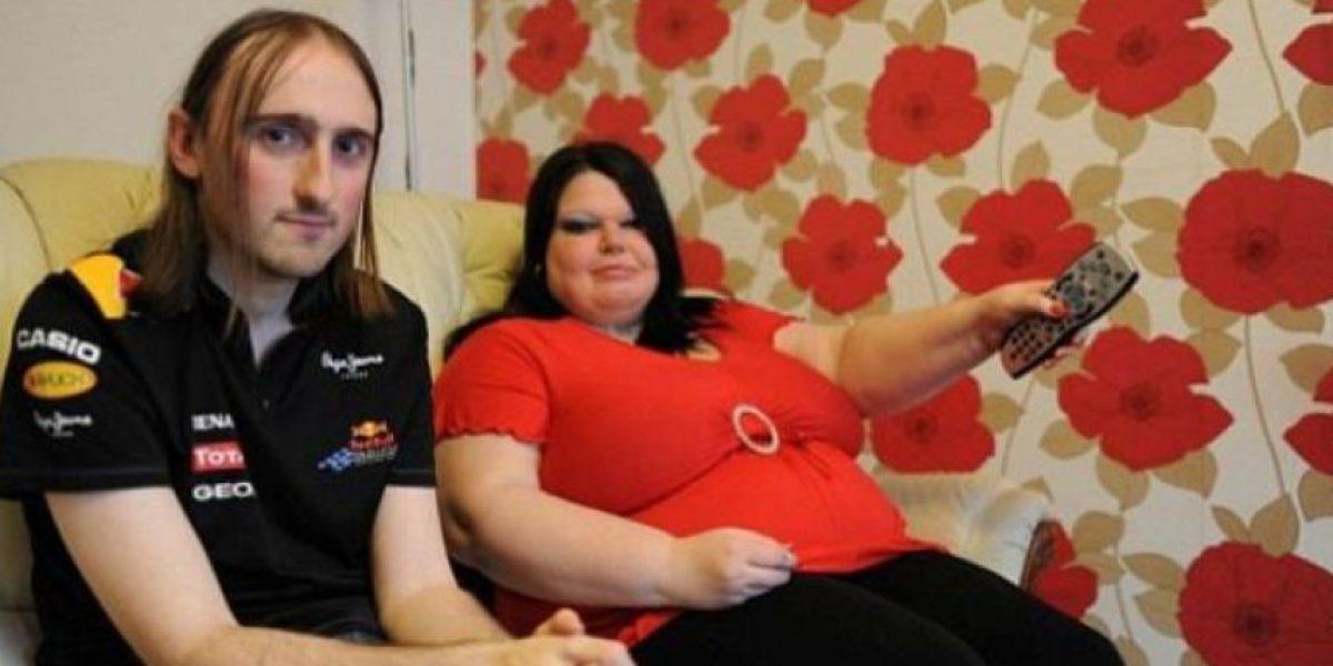 FOTOS: Somete a su novio a un detector de mentiras cada vez que sale