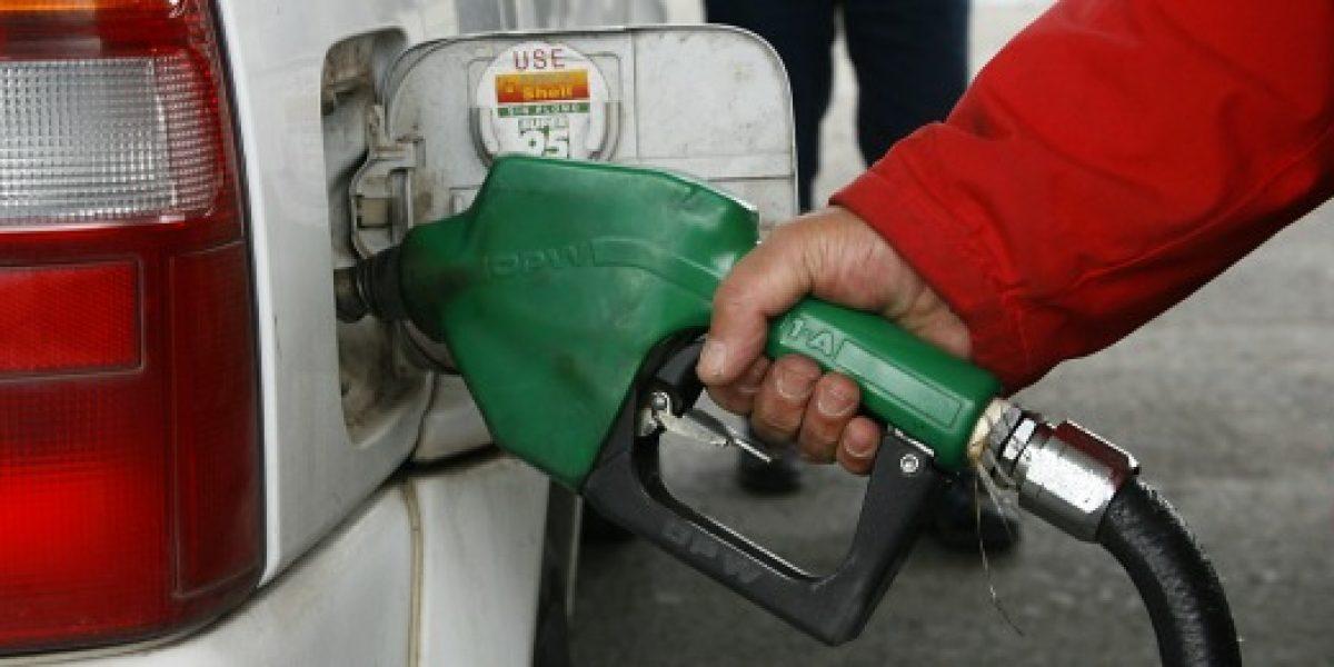 Precio de bencinas subiría $13 promedio el próximo jueves