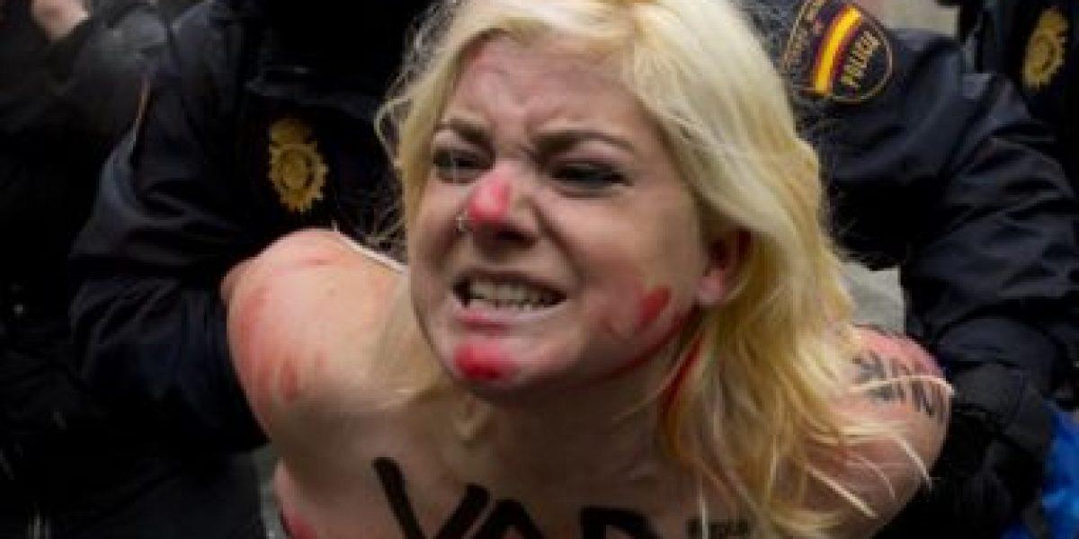 GALERIA: Activistas de Femen irrumpen en una marcha antiabortista