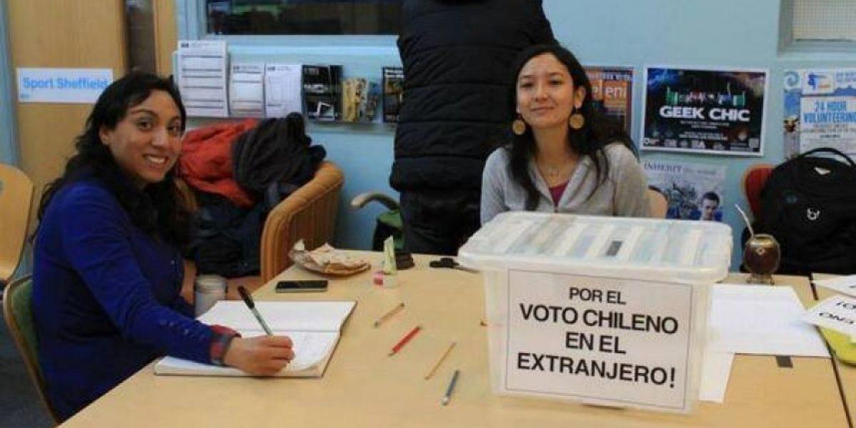 Chilenos en el extranjero hacen