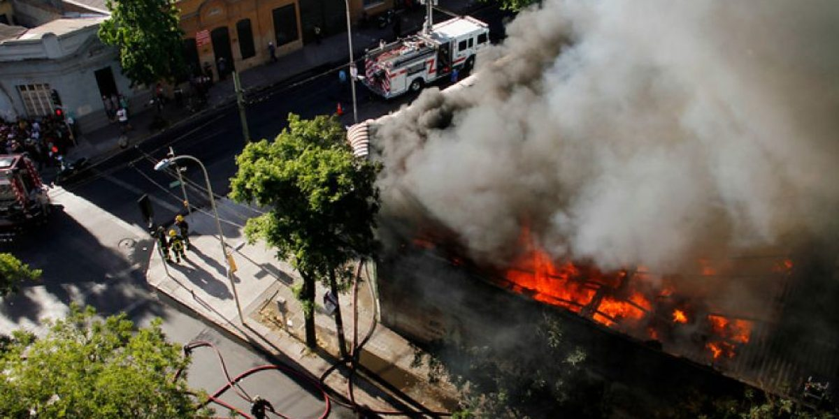 Incendio intersección de Grajales y Abate Molina