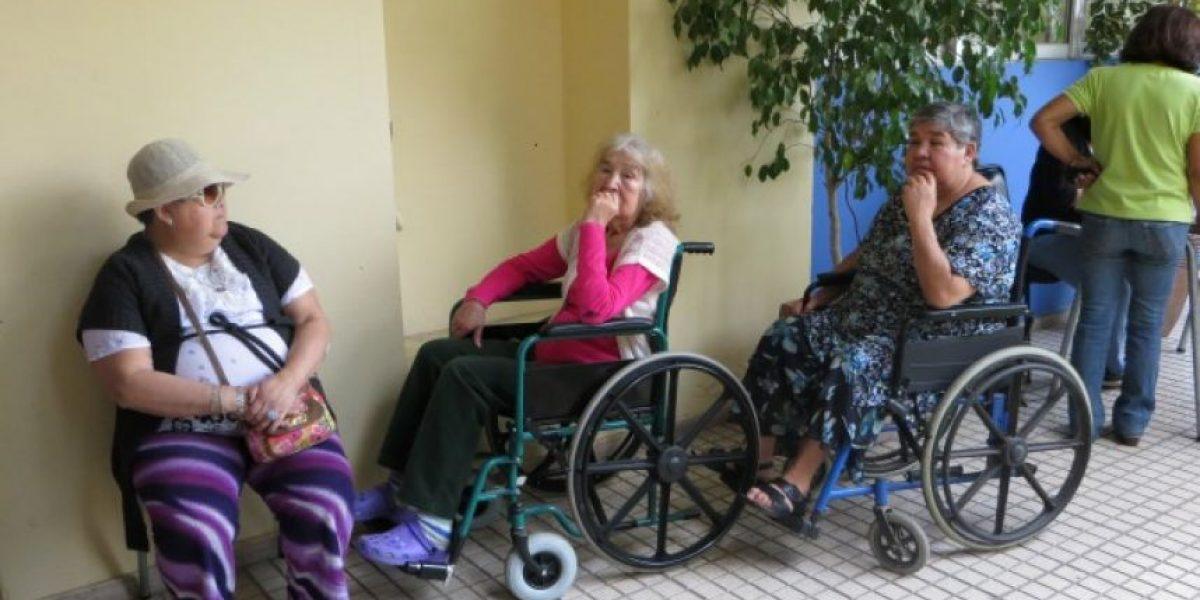 Recoleta: Adultos mayores acusan filas de horas para poder votar