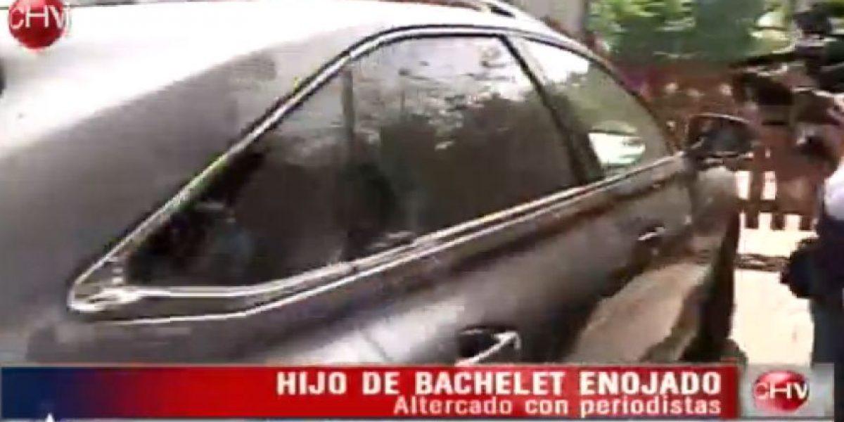 Hijo de Bachelet protagoniza tenso episodio con la prensa