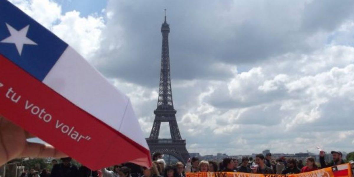Chilenos votaron simbólicamente en el extranjero