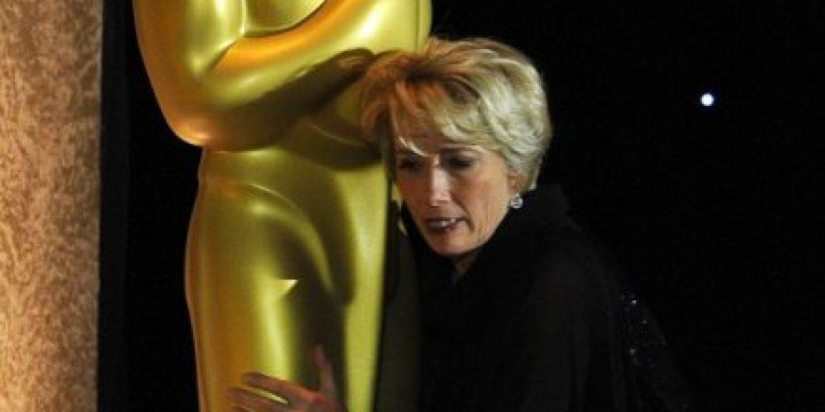Angelina Jolie recibe Oscar de honor por su obra humanitaria