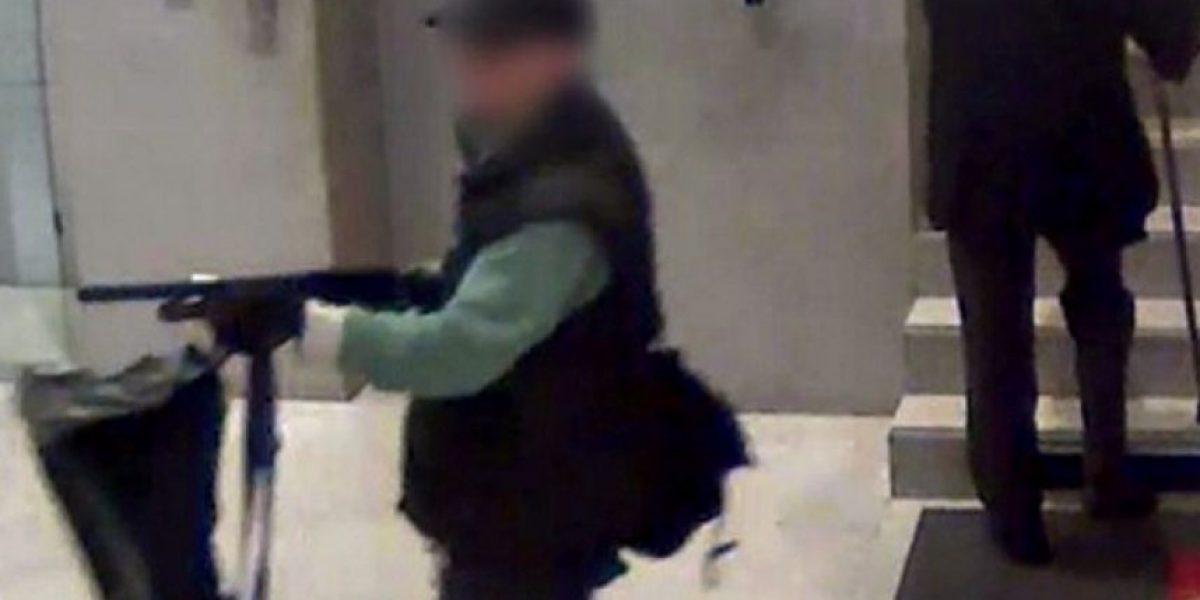 FOTOS: Un hombre armado pone en alerta París tras dos tiroteos y un secuestro express