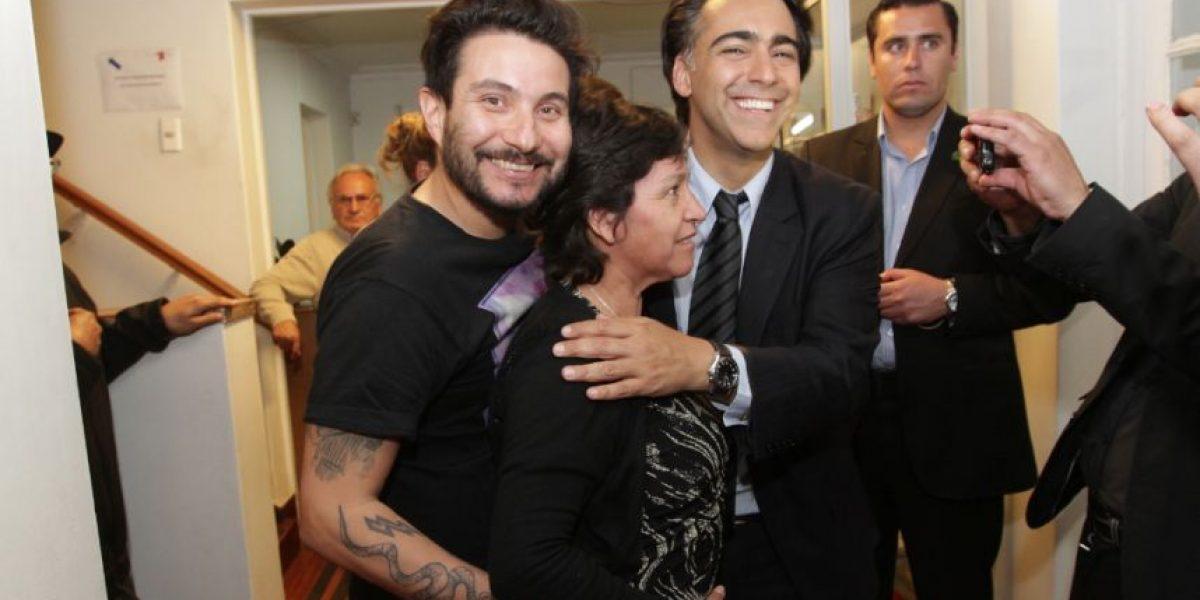 [FOTOS] Felipe Avello hizo de las suyas con políticos y votantes en estas elecciones