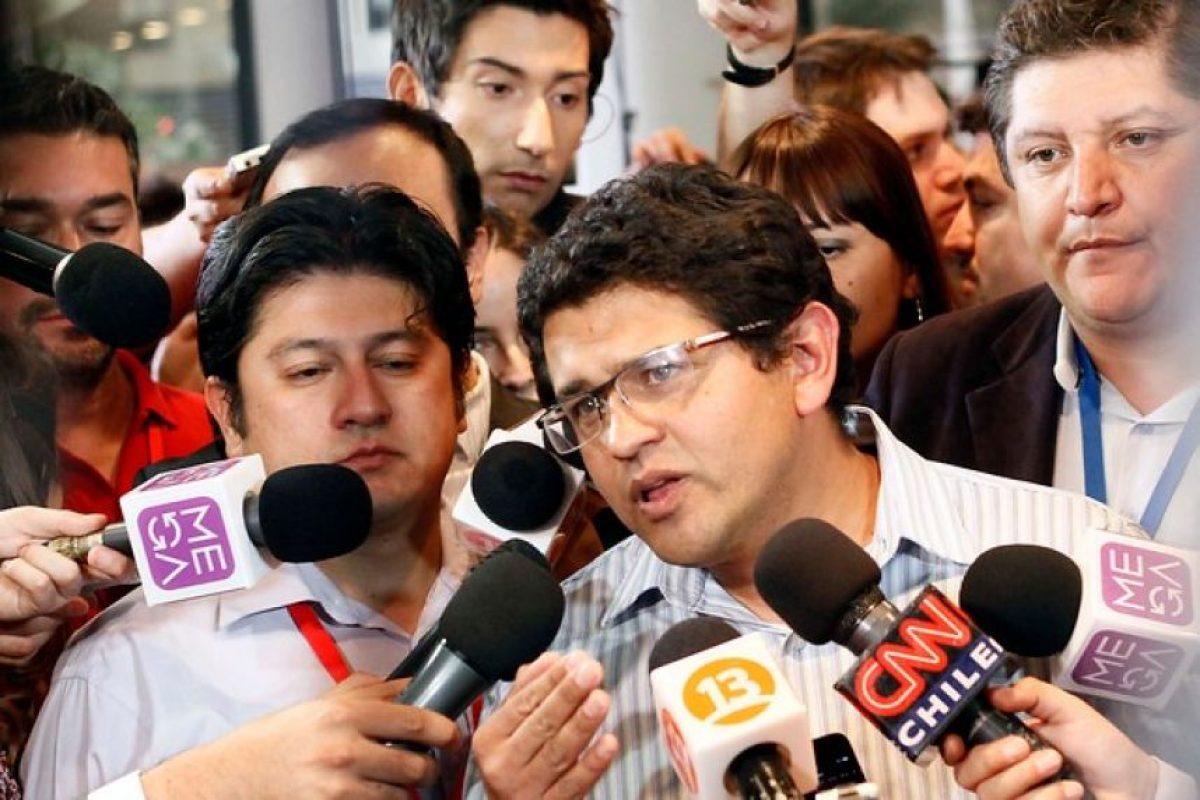 """""""Conseguimos más del 10% así que este sueño no se acaba aquí. Se puede romper el duopolio"""". Dino Villegas, vocero de Franco Parisi. Foto:Agencia Uno. Imagen Por:"""