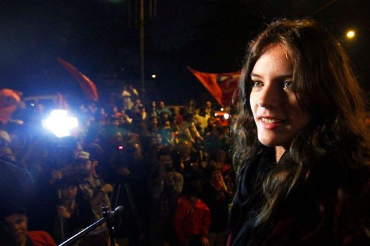 """""""No podemos permitir mantener ciertas cosas del modelo, sino que hay que empezar a cambiarlo"""" Camila Vallejo, diputada electa. Foto:Agencia Uno. Imagen Por:"""