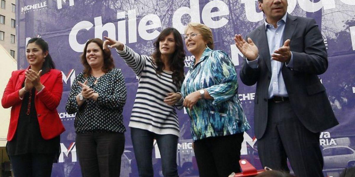 [Fotos] Camila Vallejo y Karol Cariola se reúnen con Bachelet como diputadas electas
