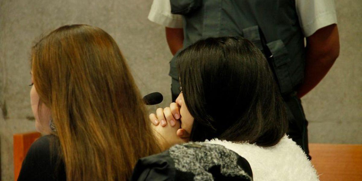 Familiares acompañan en formalización a joven universitaria acusada de infanticidio