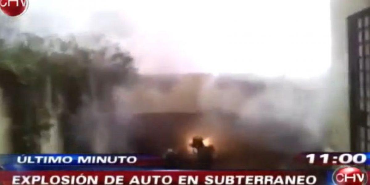 FOTOS: Explosión de auto en estacionamiento subterráneo genera pánico en Santiago Centro
