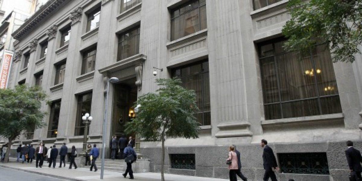Banco Central baja tasa de interés y la fija en 4,5%