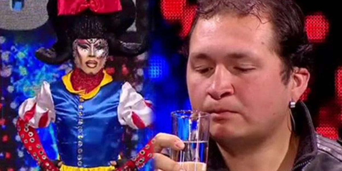 Drag queen y hombre come vidrios sorprendieron en