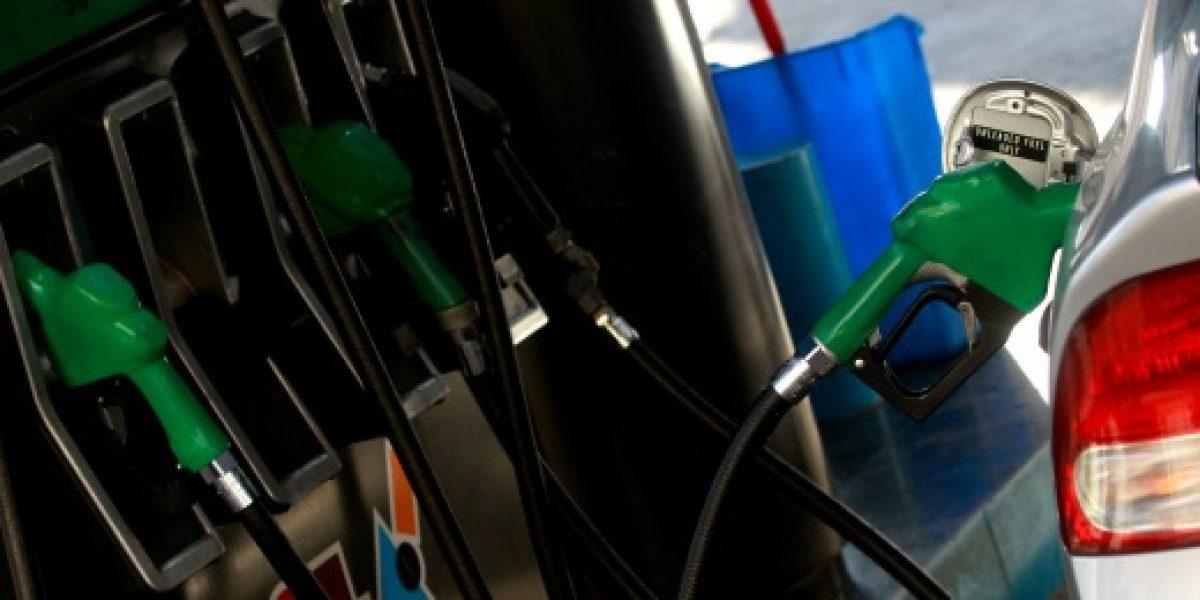 Precio de las bencinas tiene importante alza este jueves