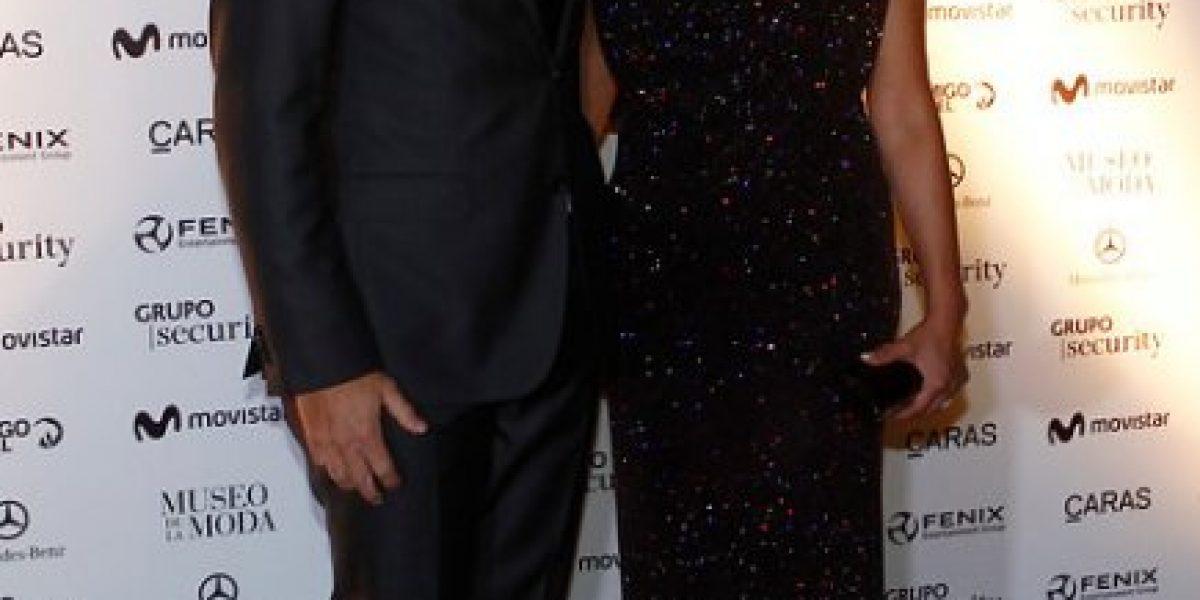 Tía Sonia llega con misterioso amigo a gala de despedida de Nico Massú