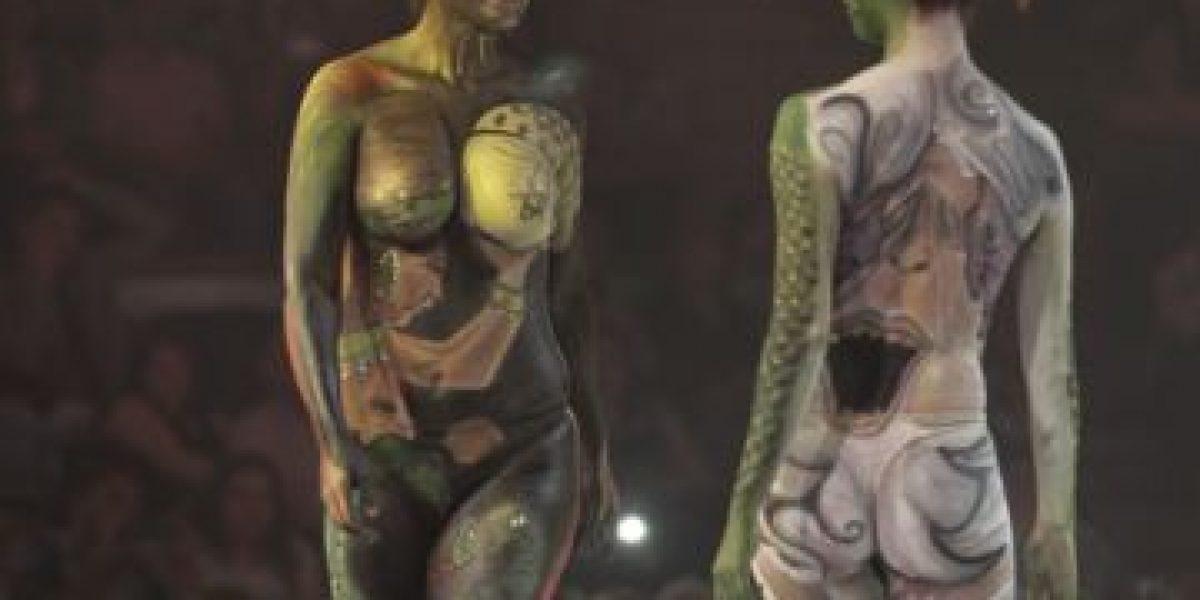 Teatro La Cúpula: Espectacular desfile de cuerpos pintados