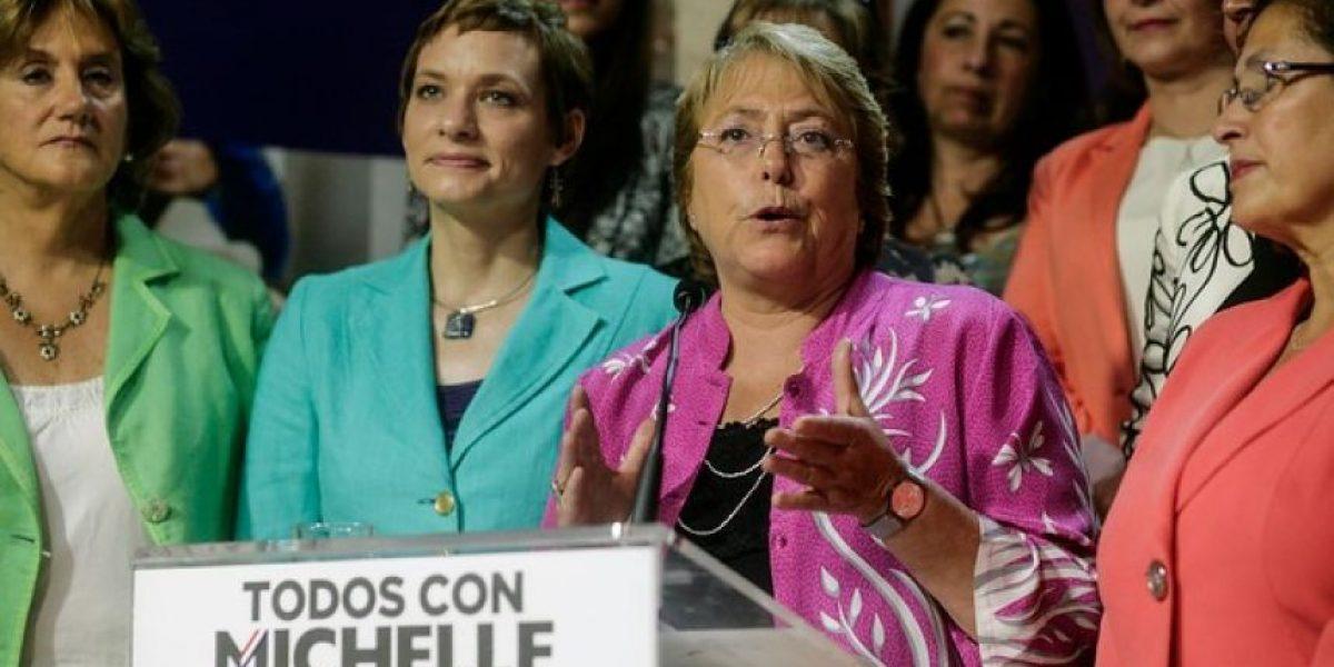 Bachelet defiende creación de Ministerio de la Mujer incluido en su programa de gobierno