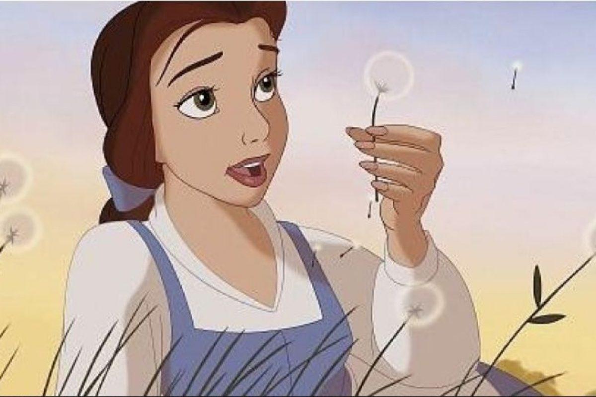 Foto:2. Bella (La bella y la bestia). Esta chica lee. Mucho. Foto: Buzzfeed. Imagen Por:
