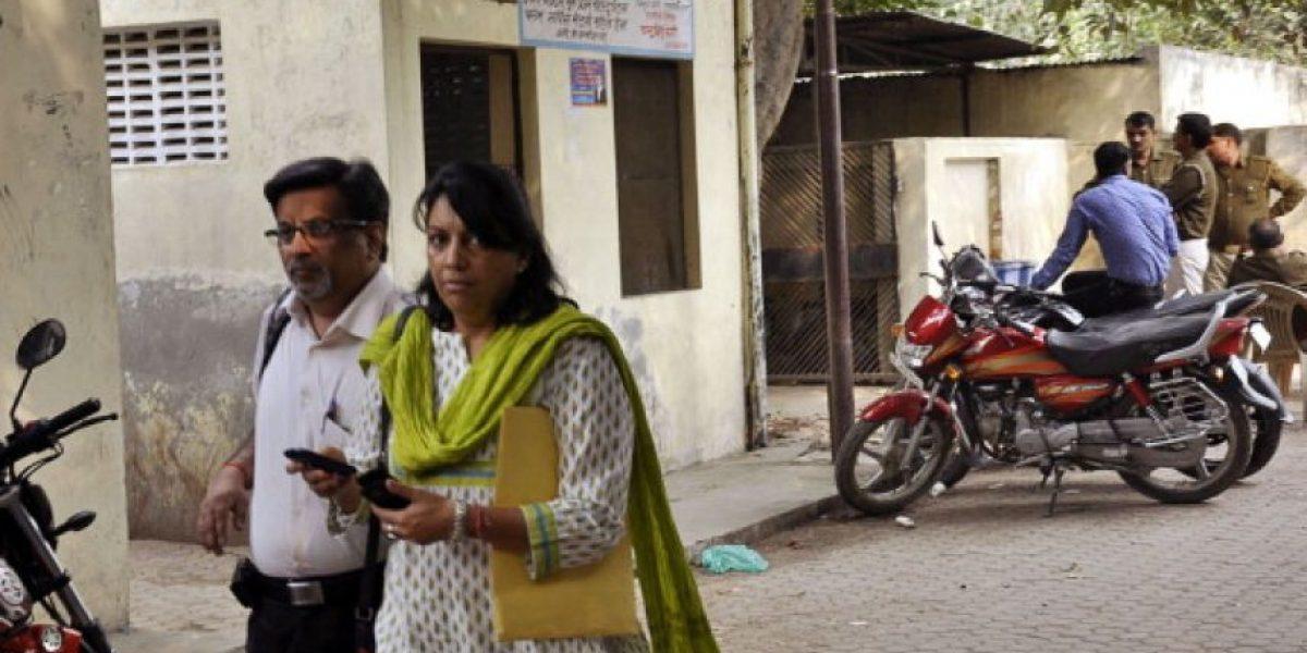 Condenan a pareja acusada de matar a su hija única  y a un empleado en la India