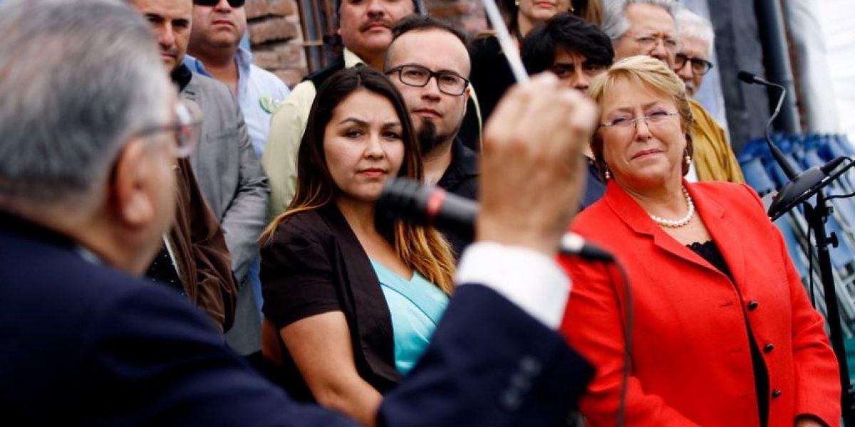 Bachelet recibió apoyo de músicos e hizo un llamado al Congreso