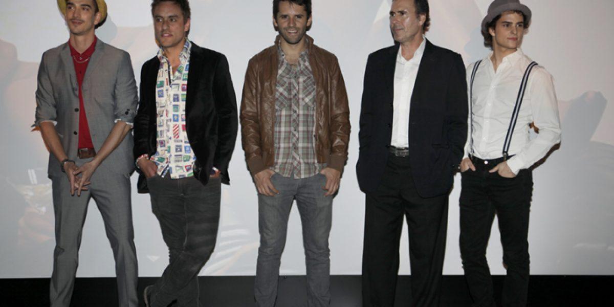 Guapos actores se lucieron en lanzamiento de calendario de ropa interior masculina