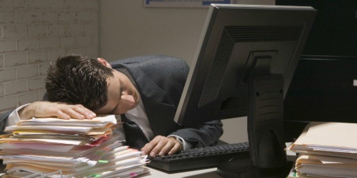 Diez síntomas que te delatan como un adicto al trabajo