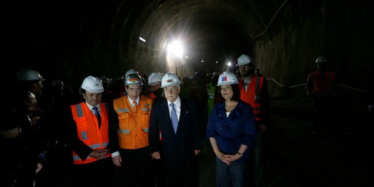 Piñera inspecciona túnel Costanera Norte-Autopista Central y resalta cambios al Transantiago