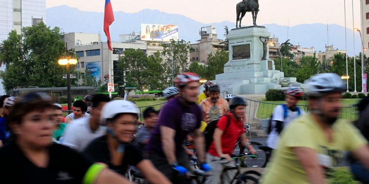 [FOTOS] Cientos de personas participaron en tradicional cicletada por Santiago
