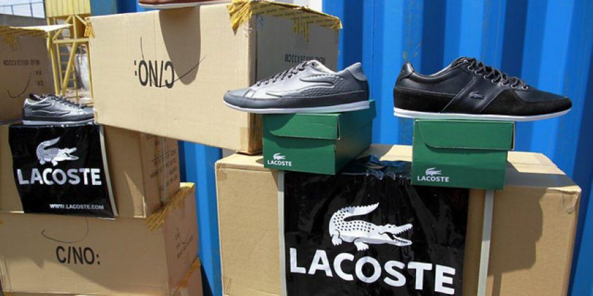 FOTOS: Incautan más de 37 mil pares de zapatillas falsificadas en Iquique