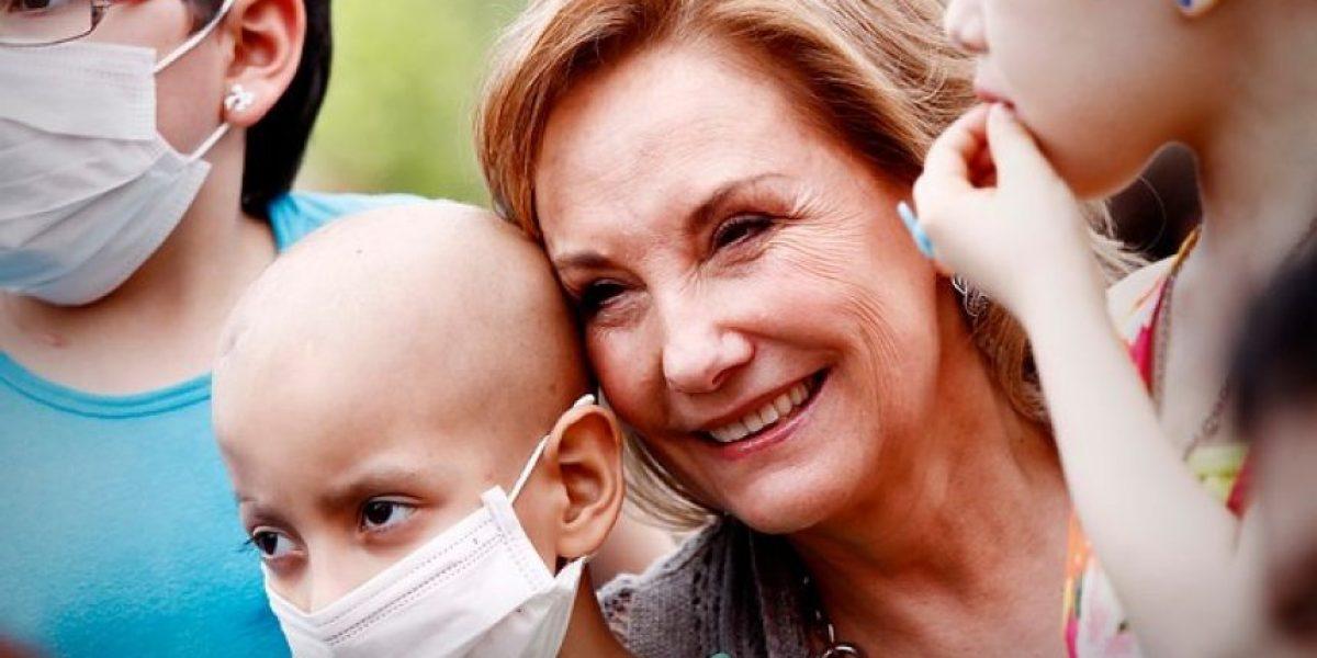 Fotos: Primera Dama celebra la navidad con niños que tiene cáncer