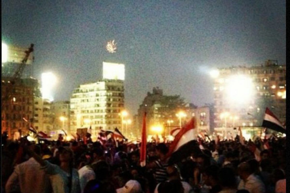 Foto:l presidente egipcio Mohamed Morsi es expulsado de poder. Imagen Por: