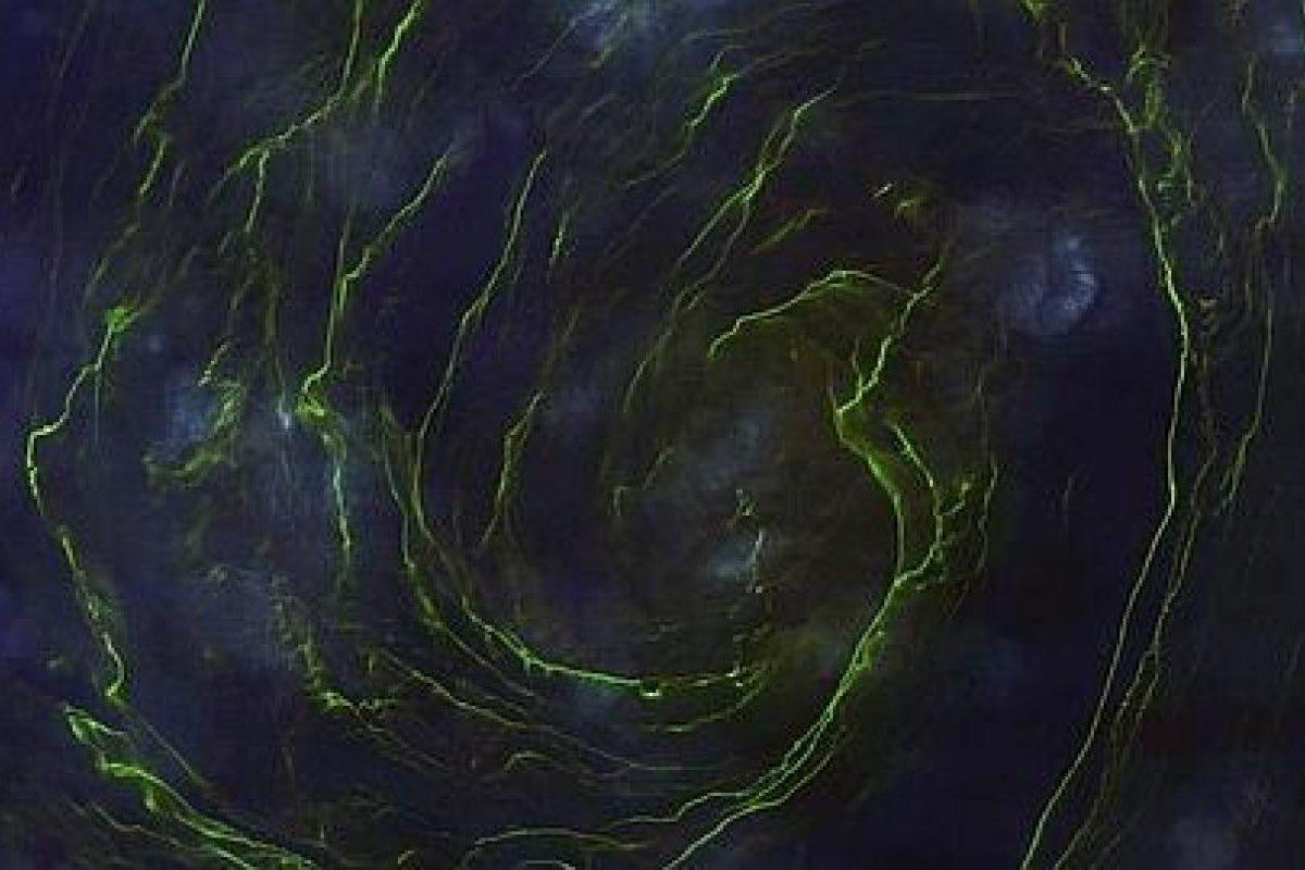 Marea verde masiva en la costa de Omán (673 «likes») Foto:Digital Globe. Imagen Por: