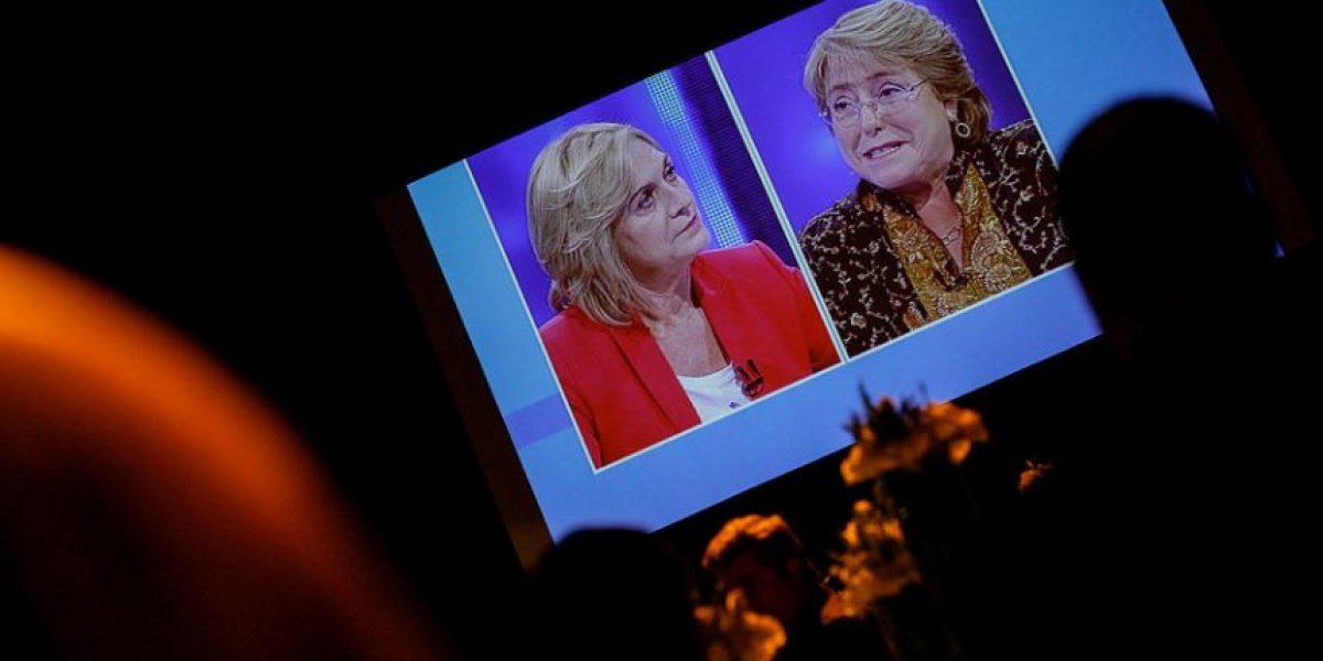 27/F, Transantiago y marihuana: Emplazamientos entre Matthei y Bachelet marcan último debate presidencial