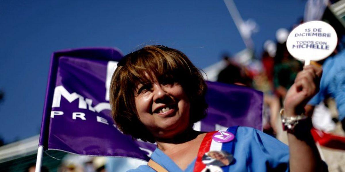 [FOTOS] Cierre de campaña: Court central del E. Nacional se prepara para recibir a Bachelet