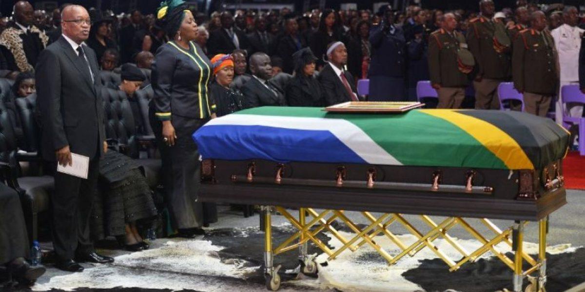 El largo viaje de Mandela llegó a su fin: Imágenes de su funeral