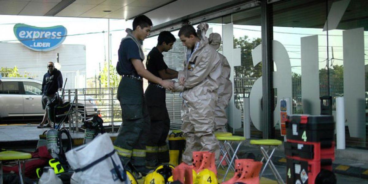 [FOTOS] Derrame químico en laboratorio de Ñuñoa alertó a los vecinos