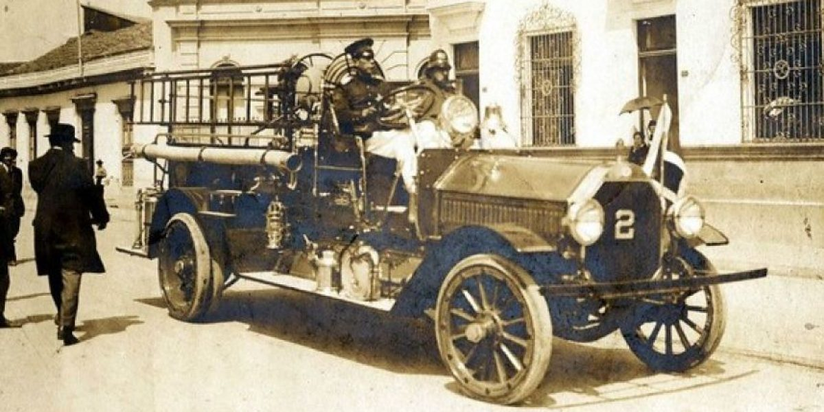 GALERÍA: Imágenes históricas de los 150 años de Bomberos de Santiago