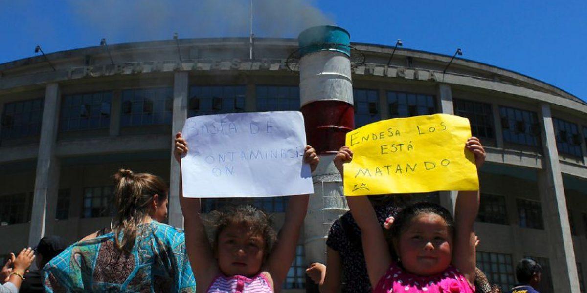 [FOTOS] Con una chimenea gigante niños y pobladores celebran cierre de Bocamina II