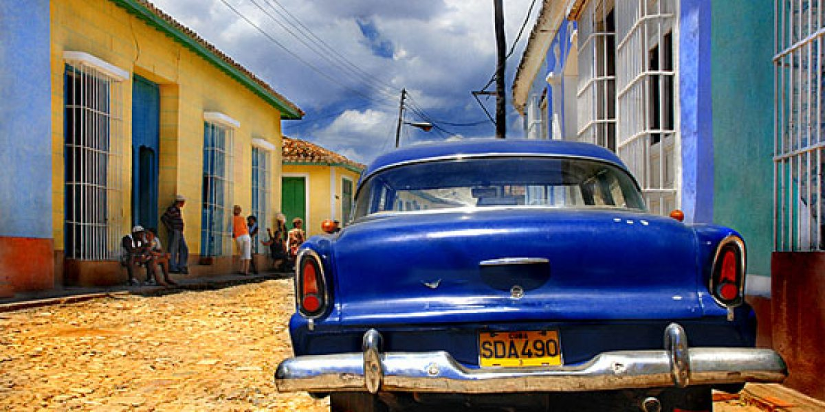Cuba permite la comercialización libre de automóviles