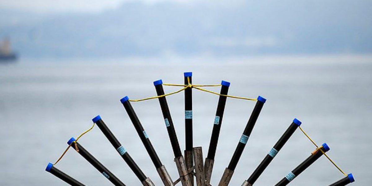 Inician preparativos de fuegos artificiales en el puerto de Valparaíso