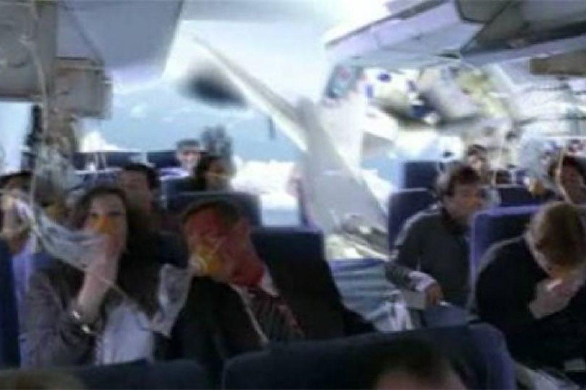 """Esta imagen se dijo que se tomó en el vuelo de Air France justo antes de estrellarse cuando realmente es un fotograma de la serie """"Lost"""" Foto:Blog Ceslava.com. Imagen Por:"""