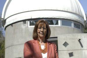 Astrónoma, Presidenta de la Fundación para el Desarrollo de la Astronomía de Chile y Directora del Centro de Astrofísica y Tecnologías Afines (CATA), fue distinguida como Mujer del Año por Zonta International, una ONG de mujeres que la eligió entre otras candidatas de diversas disciplinas, por su aporte a la ciencia y la astronomía a nivel Mundial. Foto:Agencia Uno. Imagen Por: