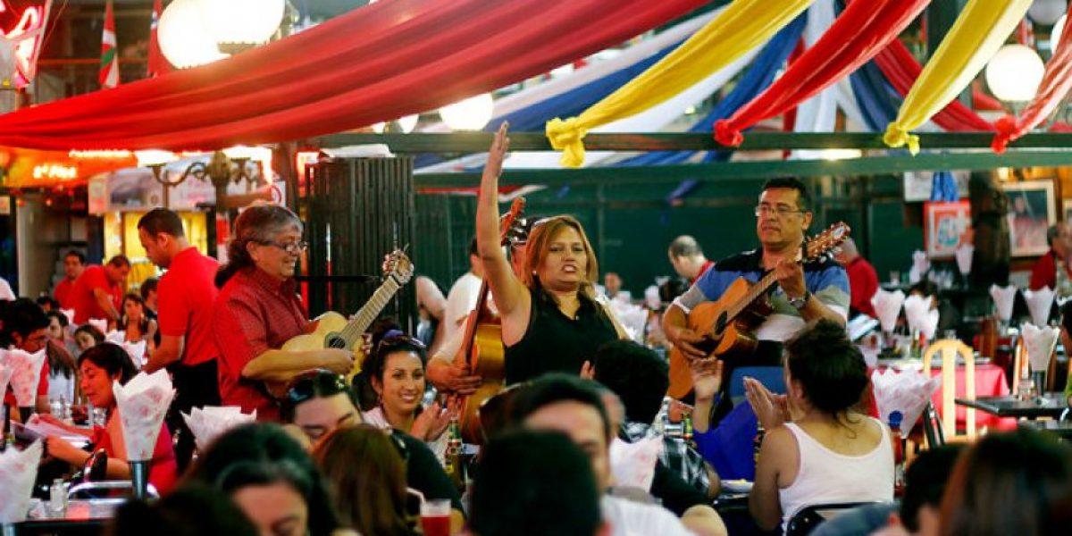 Fotos: Masiva concurrencia a mercados para degustar mariscos tras celebraciones de Año Nuevo